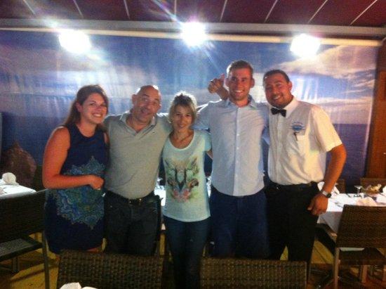 Restaurant Rosamar : Sylvia, José en Omar