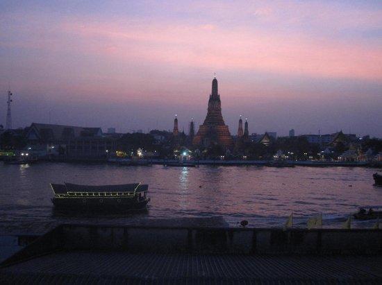 Templo del Amanecer (Wat Arun): Le Temple de l'Aube au coucher du soleil