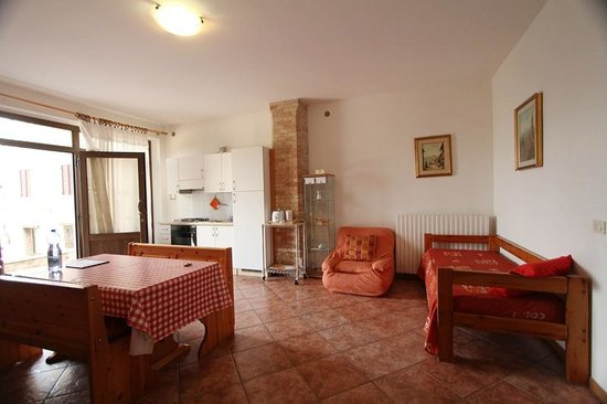 Apartments Barabani Stefano: sitting room- soggiorno