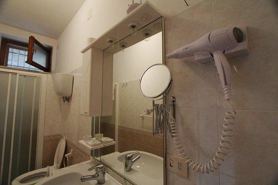 Apartments Barabani Stefano: bath room - il bagno