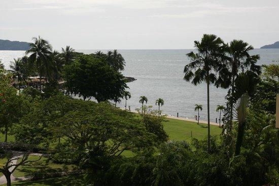 Shangri-La's Tanjung Aru Resort & Spa: View from Kinabalu Wing