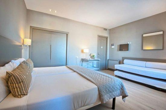 Hotel Paseo De Gracia: Family Room (4 pax)