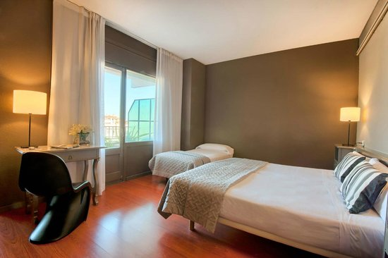 Hotel Paseo De Gracia: Double Room with extra bed