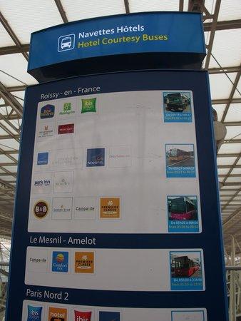 Comfort Hotel Airport CDG: バス亭