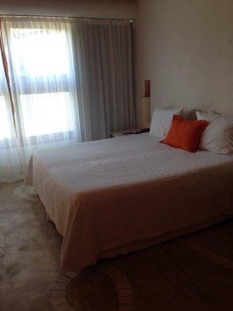 Perola Buzios Hotel: Quarto: 2 andar, vista estacionamento; os melhores