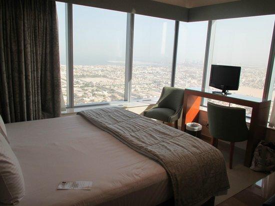 Al Salam Hotel Suites: Eckschlafzimmer