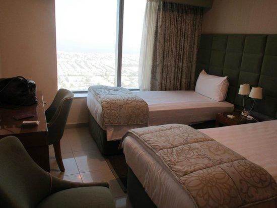 Al Salam Hotel Suites: 1. Schlafzimmer