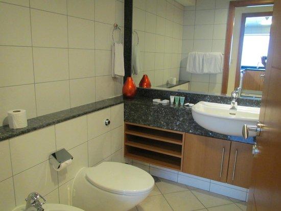 Al Salam Hotel Suites: Badezimmer