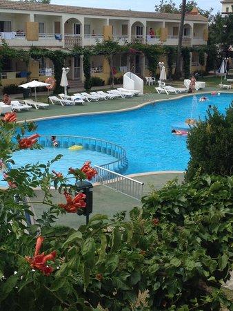 Mariner Club: Pool ��