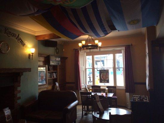 Kings Arms: Bar area