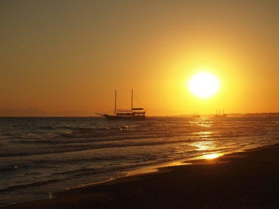 Barut Arum: Sunset