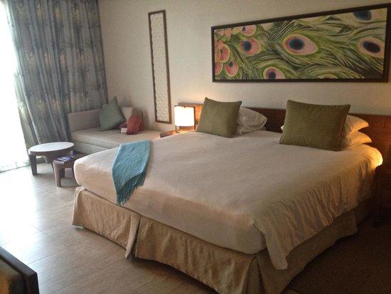 JA Palm Tree Court: room