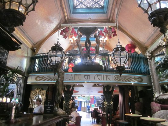 Cafe en Seine : Decoration