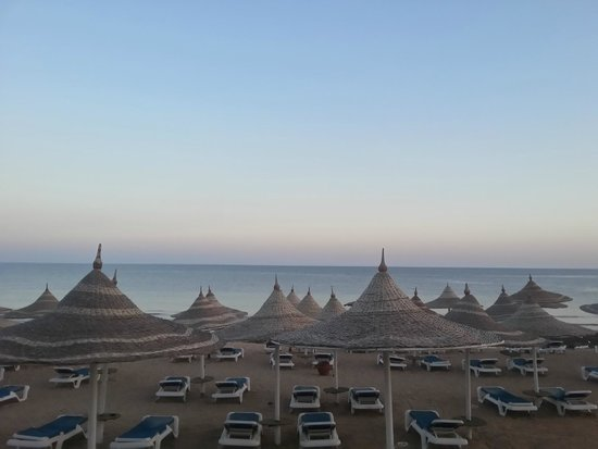 Tiran Island Hotel : Пляж