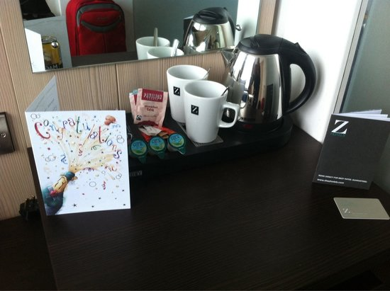 Z Hotel Liverpool: Our lovely anniversary card from the hotel