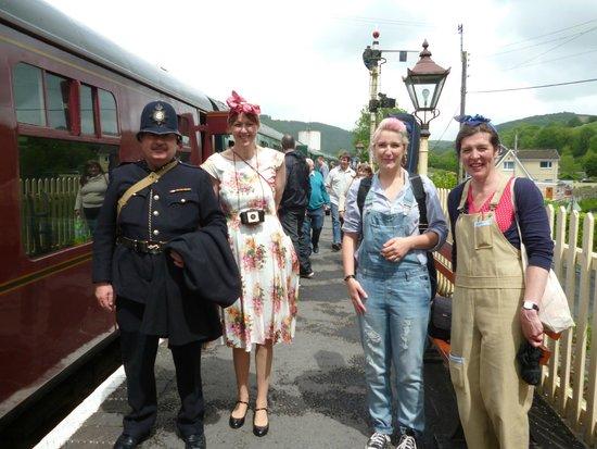 Gwili Railway: Visitors in WW2 costumes