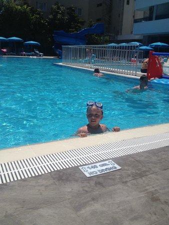 Avena Resort & Spa Hotel: The pool