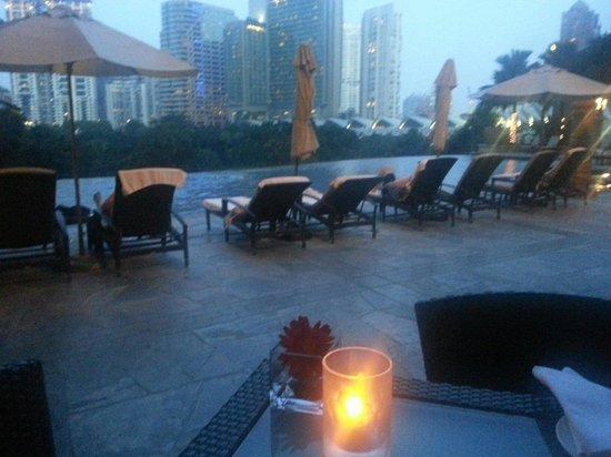 Mandarin Oriental, Kuala Lumpur : View of pool from Cascades