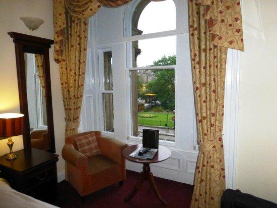 The Old Waverley Hotel : Ventana