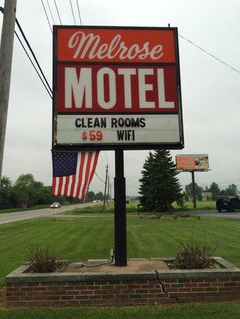 Melrose Motel : Rates--$54 weekdays...$69 weekends!