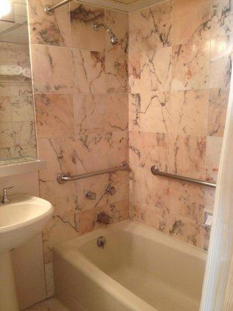 Resorts Casino Hotel: Second bathroom