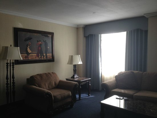 Resorts Casino Hotel : Living room area