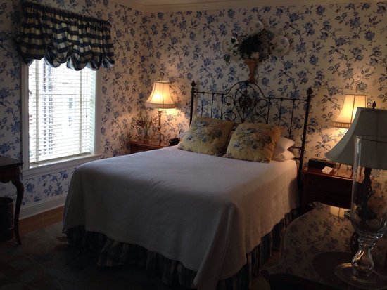 The Lambertville House Hotel: Upstairs carriage room