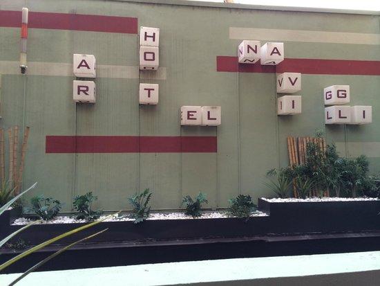 Art Hotel Navigli: hotel signage daytime