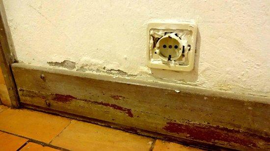 Club Med Da Balaia : Dangerous electrics