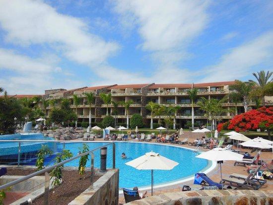 H10 Playa Meloneras Palace: Pool area