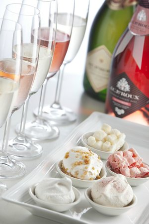 House of J.C. Le Roux: Bubbly, Marshmallow and Meringue Pairing