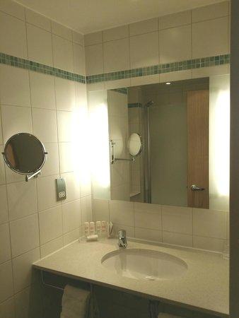 Radisson Blu Hotel London Stansted Airport: Bathroom