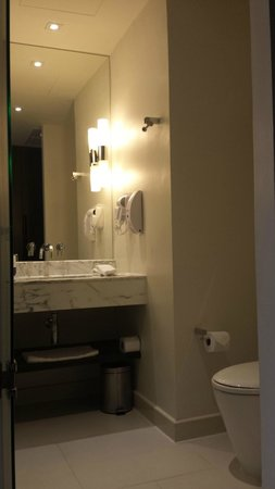 Holiday Inn Express Bangkok Siam: 2 Single Beds Standard