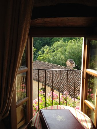 Hotel Castello di Sinio: room view