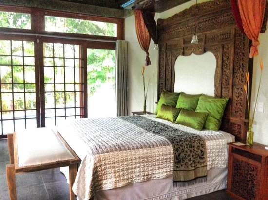 Prana Rainforest Retreat : You will sleep beautifully and wake up to the noise of howler monkeys. So cool
