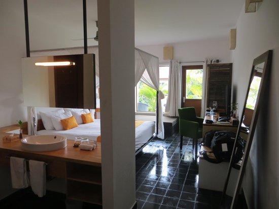 The Plantation - urban resort & spa: First walking in,floors wet!!So clean!!