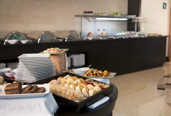 NH Collection Guadalajara Providencia: Buffet Breakfast