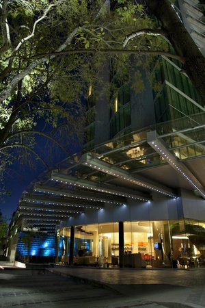 NH Collection Guadalajara Providencia: Building