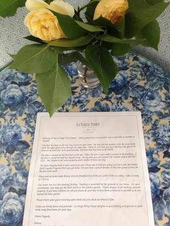 La Farge Perry House: Welcome letter in room