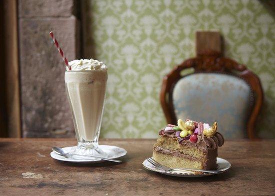 Sugar Junction: Milkshake & a slice of Cake