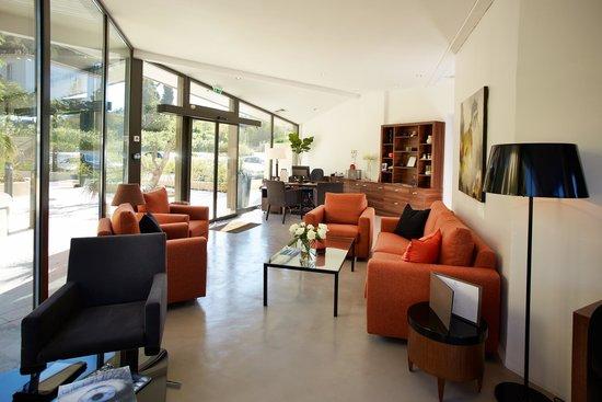 Hotel Les Terrasses du Bailli : La réception