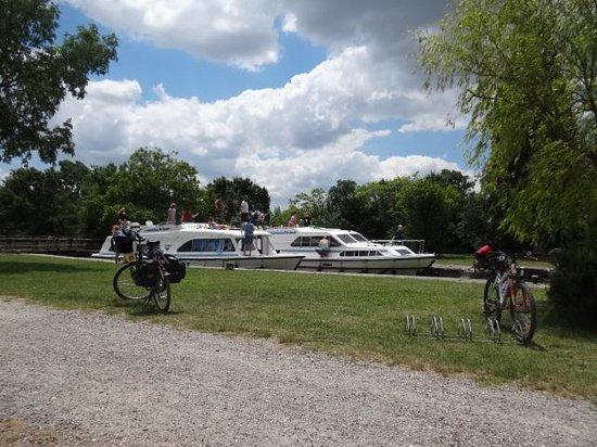 La Rive Belle Ecluse d'Herminis : Tranquil spot
