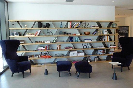 Wyndham Grand Frankfurt: Lobby
