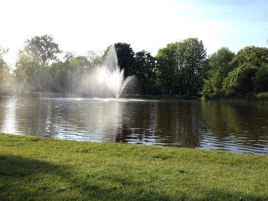 Vondelpark : view of one of the lakes