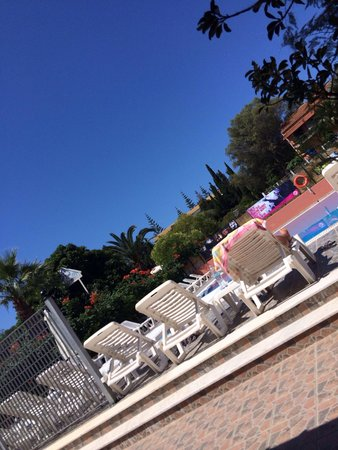 Kalimera Studios & Rooms: View of pool from bar