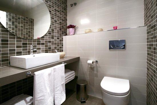 Blanc Guesthouse: Baño