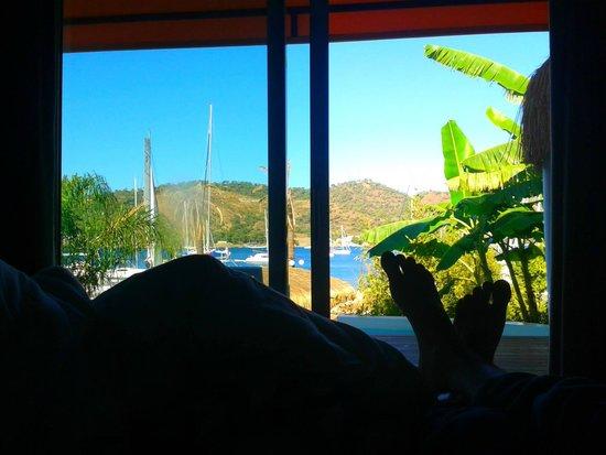 Yacht Classic Hotel: Vista da cama