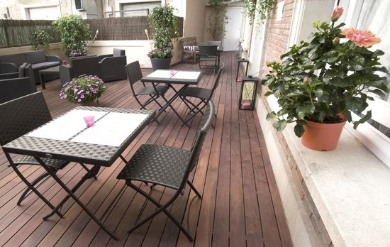 Blanc Guesthouse: Terraza