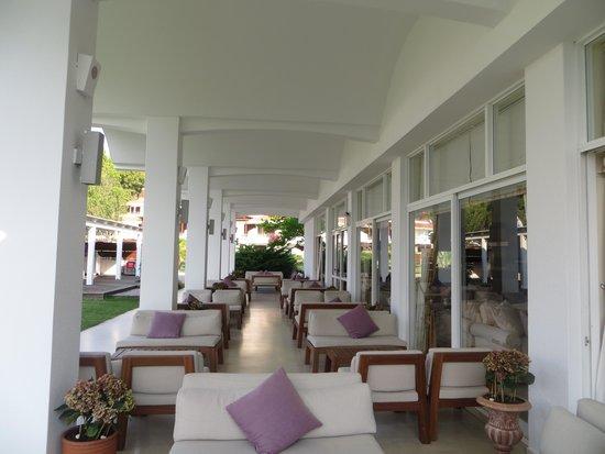 Skiathos Princess Hotel: ouside the lounge