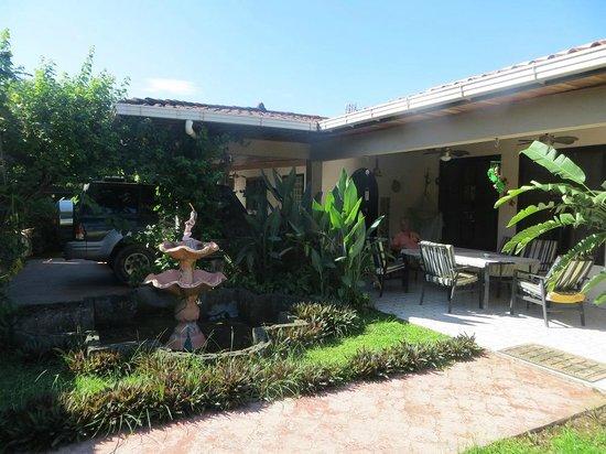 Kibbutz de Rita Bed and Breakfast : Patio Area